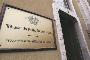 Tribunal portugués sentencia que prueba PCR y cuarentena son ilegales